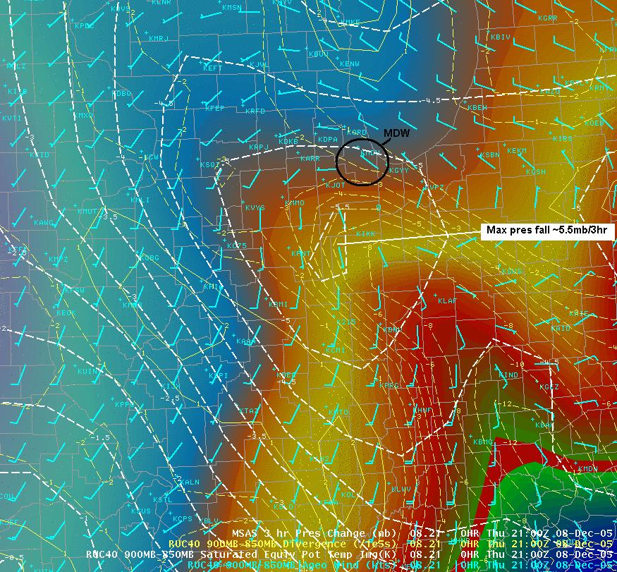 2100 UTC low level atmospheric state