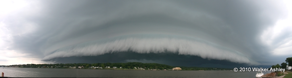 panoramic shot of shelf cloud
