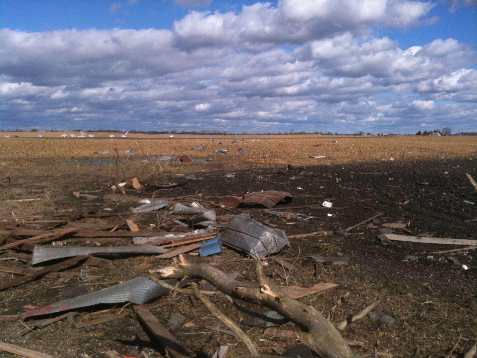EF2 debris path east of Peotone