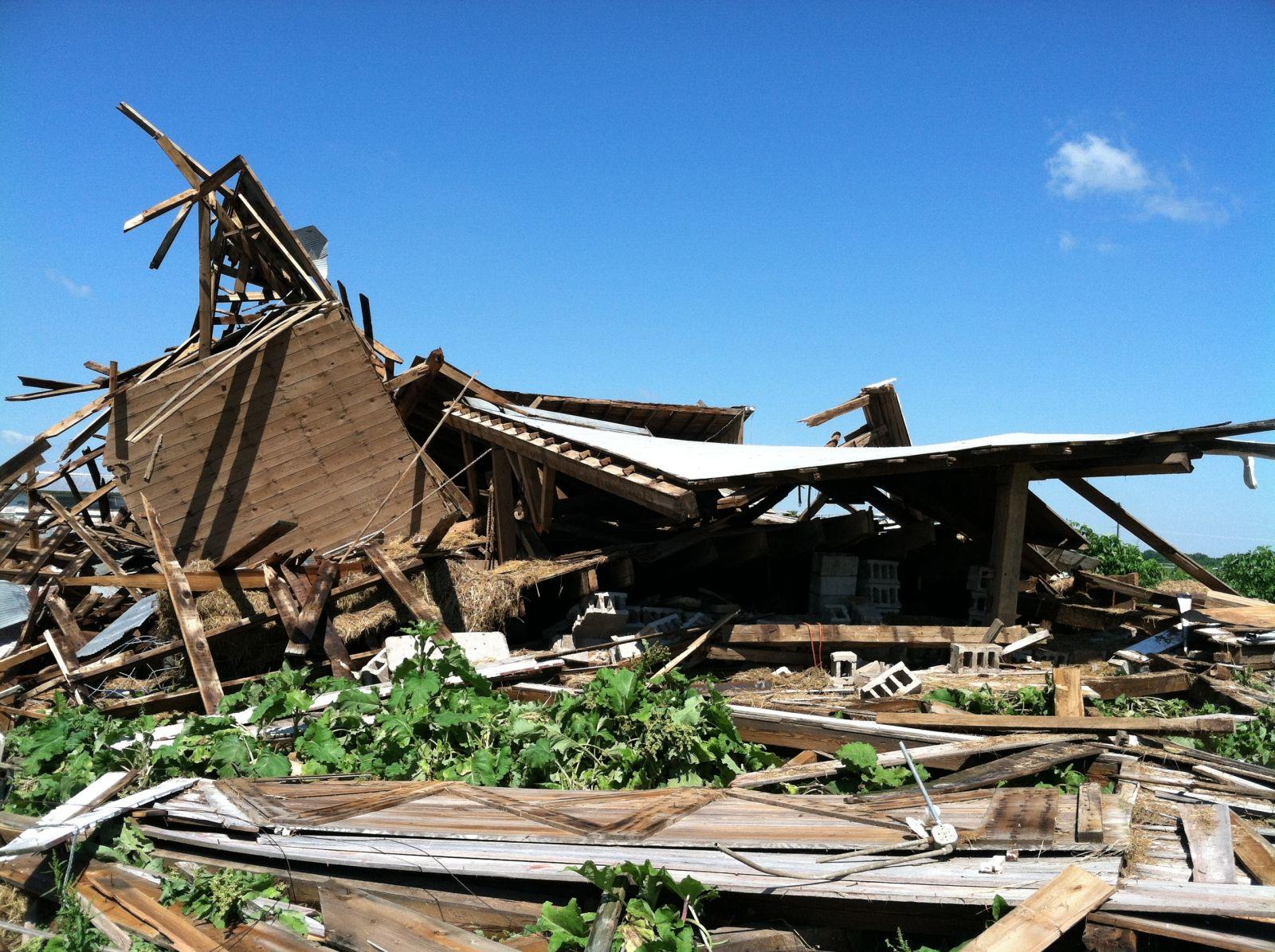 Damage to a barn near Manteno.
