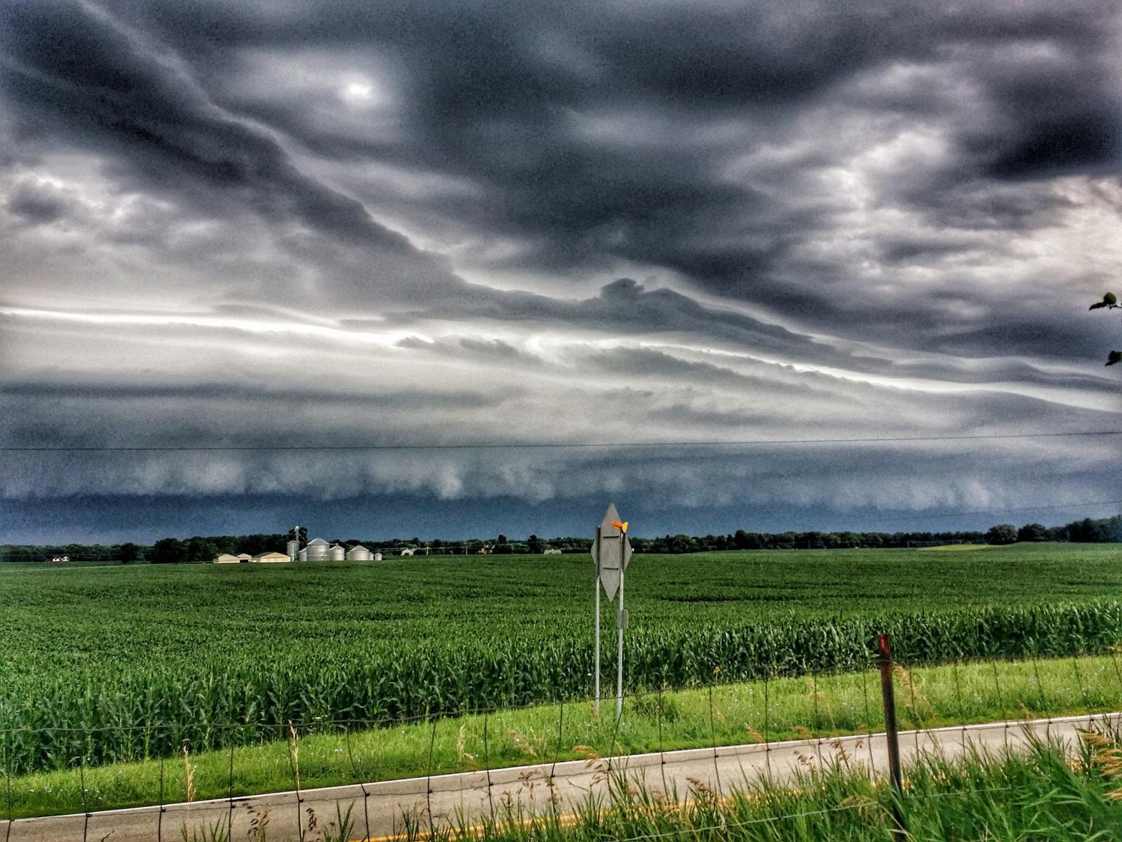 Shelf cloud photo in Campton Hills - Photo by Tim Felinski